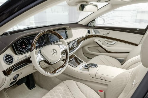 The Maybach-Mercedes is intended to be a chauffeur-driven car.