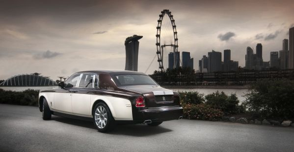 The Pinnacle Travel Phantom has a two-tone exterior colour scheme