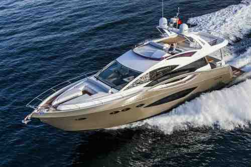 The Numarine 70 Flybridge is easy to control and requires no crew