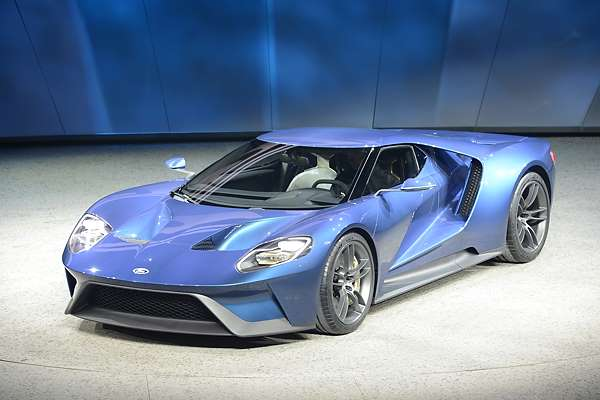 Ford GT Supercar at Detroit motor show 2015