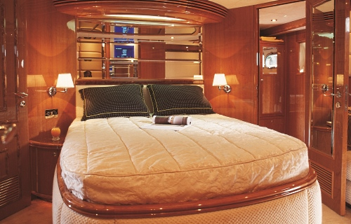 Master Cabin aboard the Foxy Lady