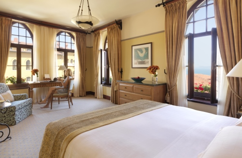 Experience changing rules of holidaying at Four Seasons Hotel Istanbul at Sultanahmet