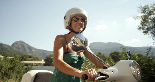 Changing rules of holidaying: Exploring on a Vespa