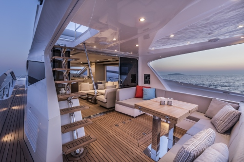 60 Flybridge by Numarine