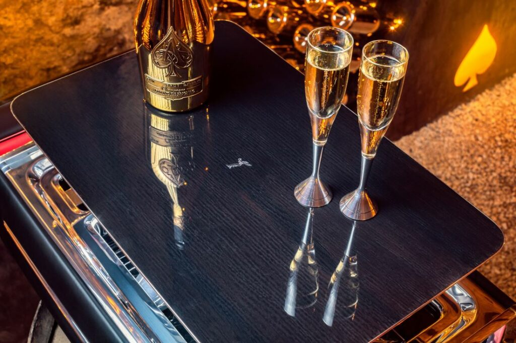 The exterior lid of the Champagne Chest transforms into a stunning serving tray